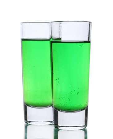 Deux verres d'absinthe isolé sur blanc Banque d'images - 14029520