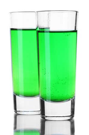 Deux verres d'absinthe isolé sur fond blanc Banque d'images - 14321191