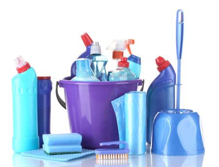 cleaning products: productos de limpieza aislados en blanco