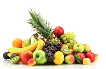 fruta tropical: Surtido de frutas exóticas aislados en blanco