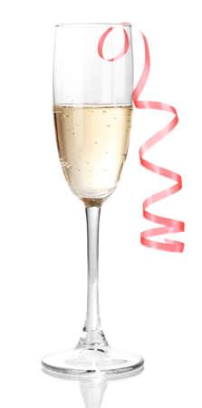 brindisi champagne: Vetro di champagne isolato su bianco
