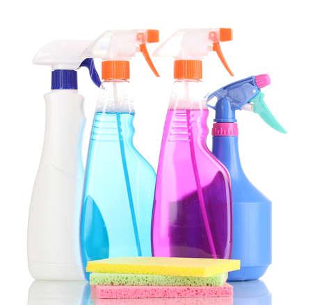 celulosa: Esponjas de celulosa y aerosoles aislado en blanco