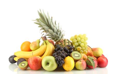 durazno: Surtido de frutas exóticas aisladas en blanco