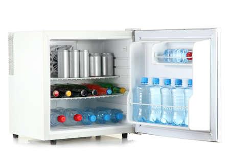 Mini Kühlschrank Offen : Frontansicht eines red vintage kühlschrank die tür ist offen und