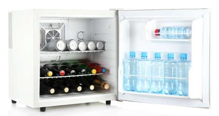 Red Bull Mini Kühlschrank Handbuch : Kühlschrank voll mit bierdosen lizenzfreie fotos bilder und stock