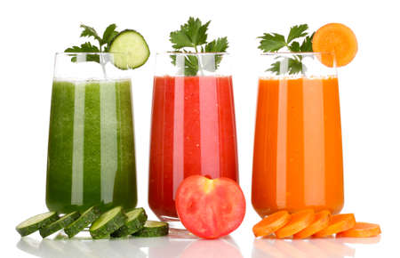 carrot juice: Fresh vegetable juices isolated on white
