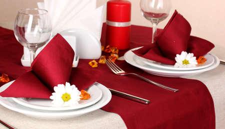 Elegant table setting in restaurant Stock Photo - 16344012