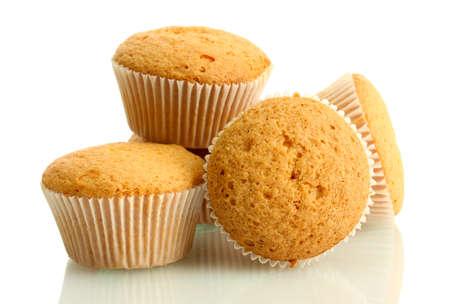 leckere Muffins Kuchen, isoliert auf weiß