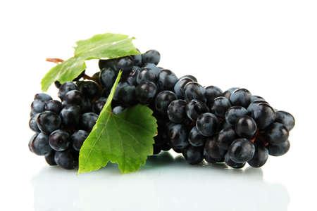 wei�e trauben: reifen s��en Trauben isoliert auf wei�