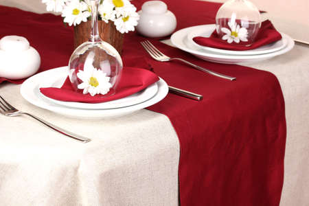 Elegant table setting in restaurant Stock Photo - 17052451