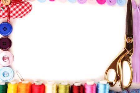 sew: Naaien accessoires en stof close-up Stockfoto