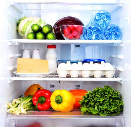 frigo: Koelkast vol voedsel Stockfoto