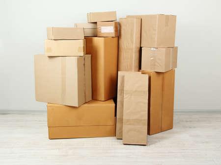 stockpiling: Diversas cajas de cart?n la habitaci?
