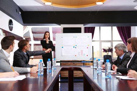cuadro sinoptico: Formaci?n empresarial en la oficina Foto de archivo