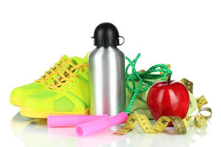manzana agua: Diferentes herramientas para el deporte aislados en blanco