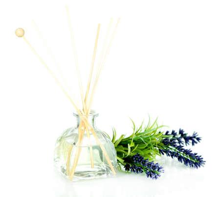 aromatický: Aromatické tyčinky pro domácí izolovaných na bílém