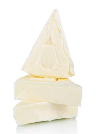 三角形の白で隔離にクリーム チーズ