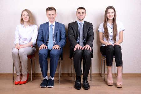 Les gens d'affaires en attente d'entretien d'embauche
