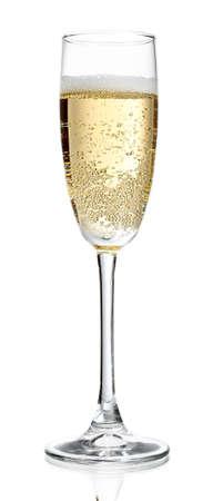 sklo: Sklenku šampaňského, izolovaných na bílém Reklamní fotografie