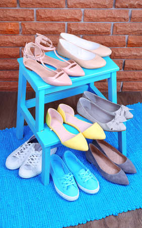 bootstrap: Shoe shelf with women shoes