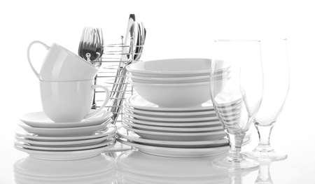 keuken restaurant: Schone vaat op wit wordt geïsoleerd Stockfoto