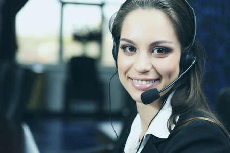 Call center operator op het werk Stockfoto