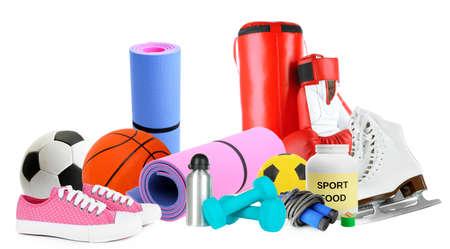 sporting goods: Art�culos deportivos aislados en blanco