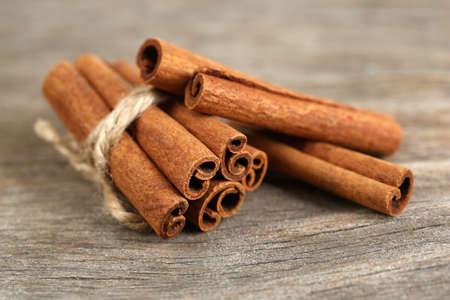 cinnamon bark: Cinnamon bark on wooden table