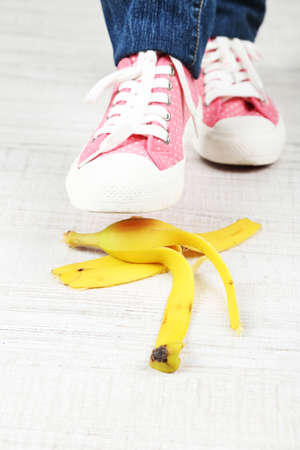 stumbling: Shoe to slip on banana peel and have an accident