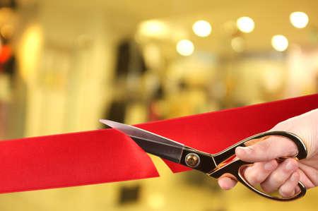 Slavnostní otevření, řezání červenou stuhou Reklamní fotografie