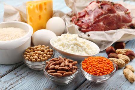 Voedsel hoog in eiwit op tafel, close-up Stockfoto
