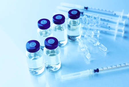 ampoules: Vaccine in vial with syringe