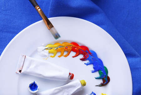 the mixing: Mixing paints, close-up