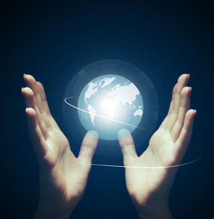 holographic: Mani con proiezione olografica