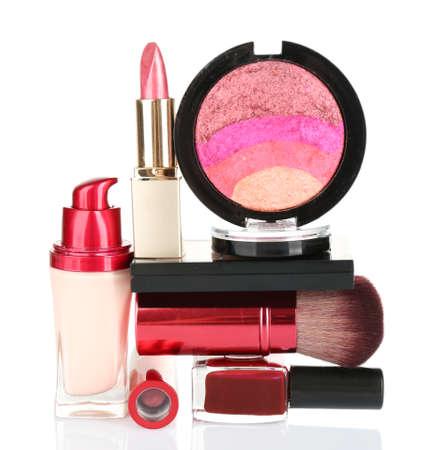 cosmeticos: Pila de cosm�ticos aisladas sobre fondo blanco Foto de archivo