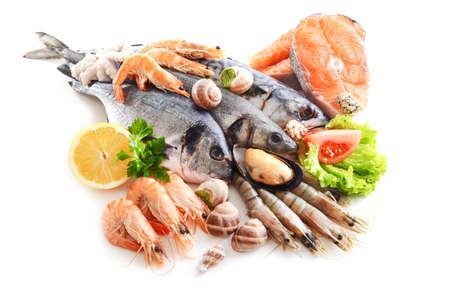 新鮮な魚や他の魚介類は、白で隔離 写真素材 - 38033433