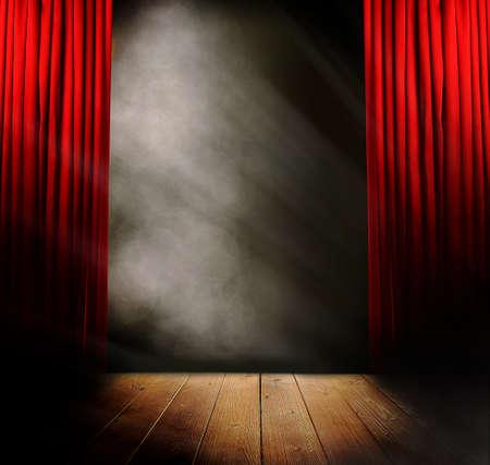 cortinas rojas: Etapa vac�a antes del concierto Foto de archivo