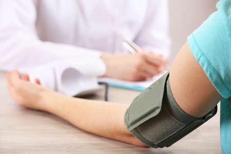 hipertension: Medición de la presión arterial de cerca