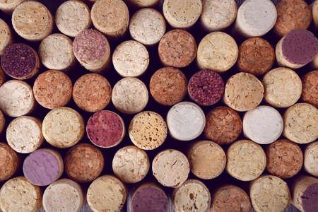 botella de licor: Muchos corchos de vino, vista macro Foto de archivo
