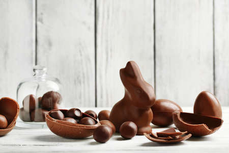 chocolate eggs: Chocolate Easter Eggs on color wooden background