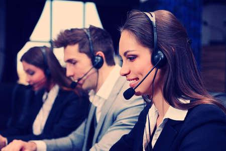 Call Center-Betreiber bei der Arbeit