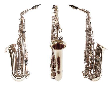 instrumentos de musica: Saxofones aislados en blanco