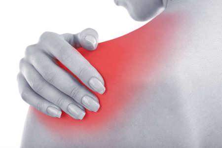 douleur epaule: Jeune fille avec douleur à l'épaule close up