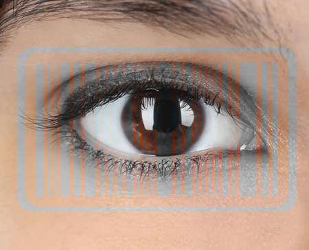 ojo humano: Human eye with integrated barcode
