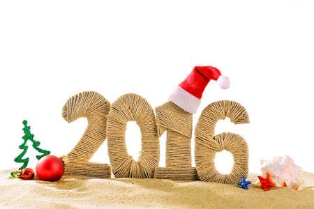 happy new year: New year 2016 Zeichen am Strand Sand Lizenzfreie Bilder