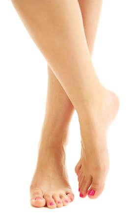 pedicura: Hermosas piernas femeninas, aisladas sobre fondo blanco Foto de archivo