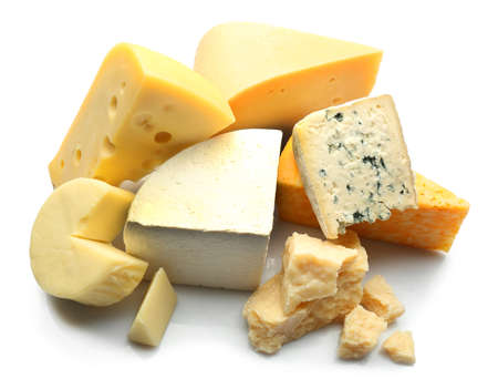 Verschiedene Arten von Käse isoliert auf weiß Lizenzfreie Bilder