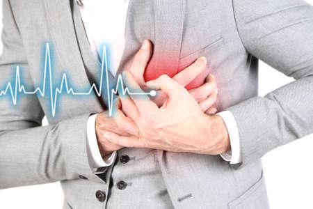Hombre que tiene dolor en el pecho - ataque al corazón, de cerca