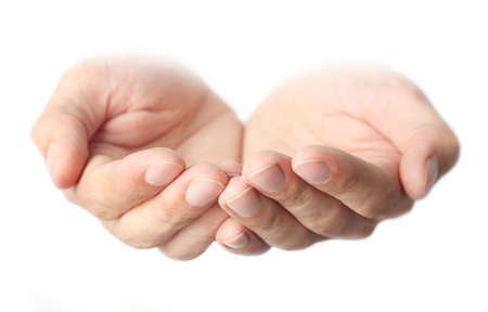 manos abiertas: manos de los hombres vacíos, aislados en blanco