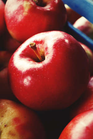 juicy: Juicy red apples, close up